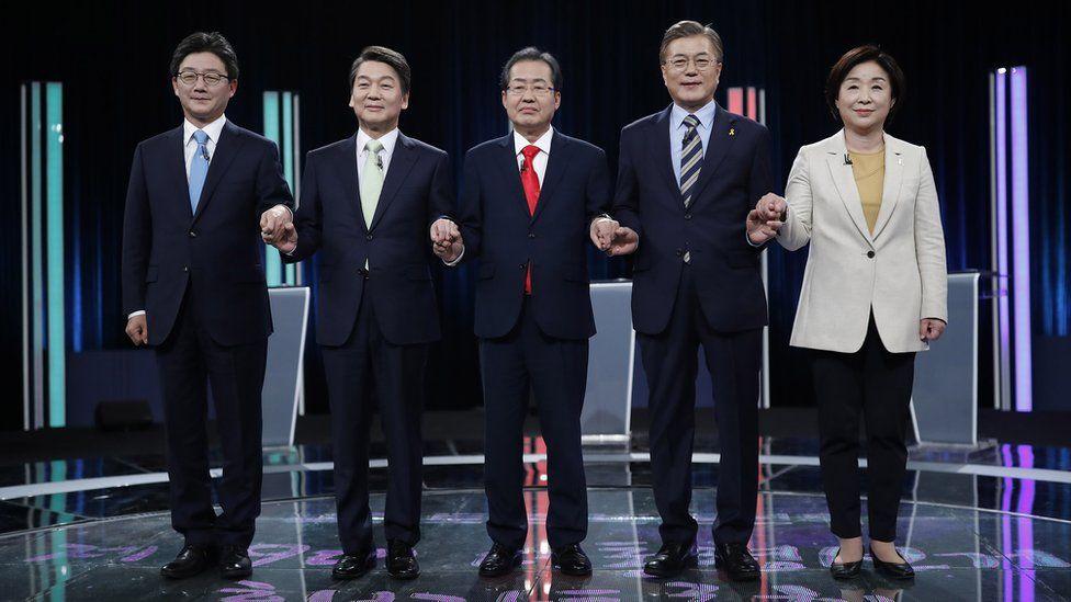 South Korean presidential candidates Yoo Seung-min, Ahn Cheol-soo, Hong Joon-pyo, Moon Jae-in, Sim Sang-jung