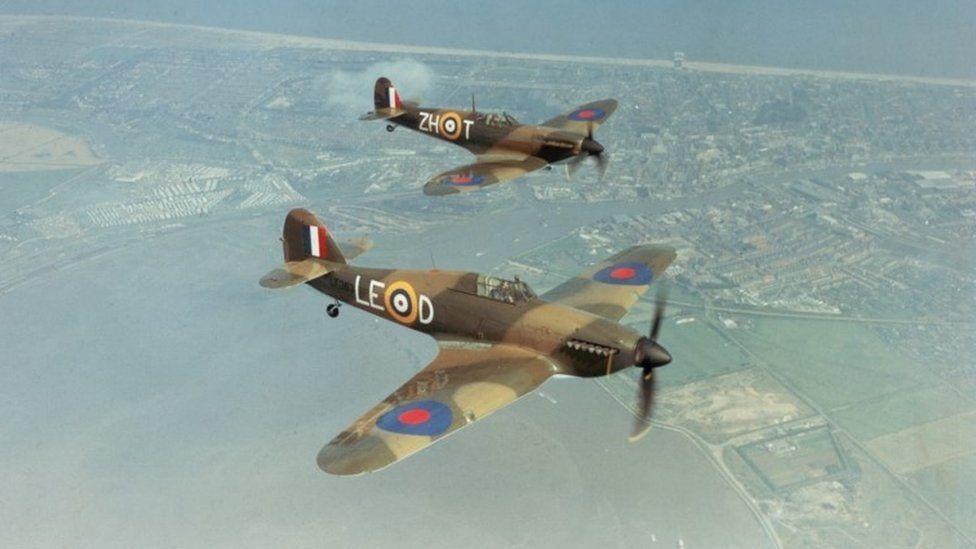A Hawker Hurricane IIc LF363 (foreround), and a Supermarine Spitfire IIa P7350