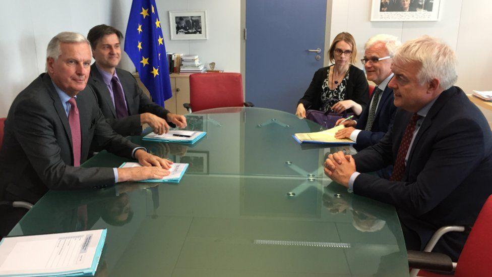 Michel Barnier and Carwyn Jones with aides