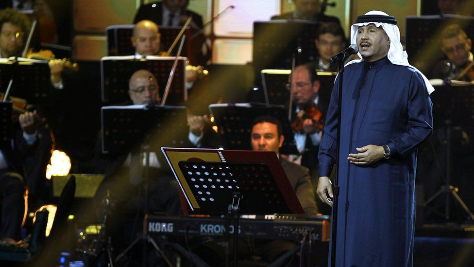 Saudi singer Mohammed Abdu performs at a concert in Riyadh, Saudi Arabia (9 March 2017)