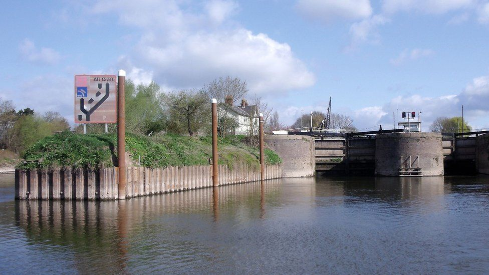 Diglis Lock on the River Severn