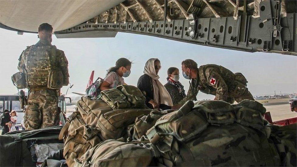 UK troops helping Afghanistan evacuation effort