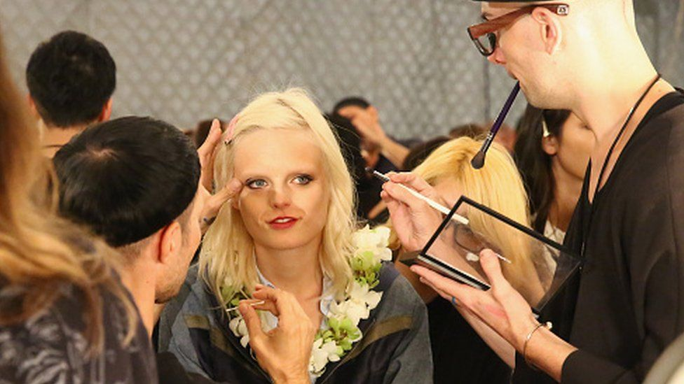 Hanne Gaby Odiele is prepared backstage at Anna Su Spring 2016 during New York Fashion Week (15 September 2015)