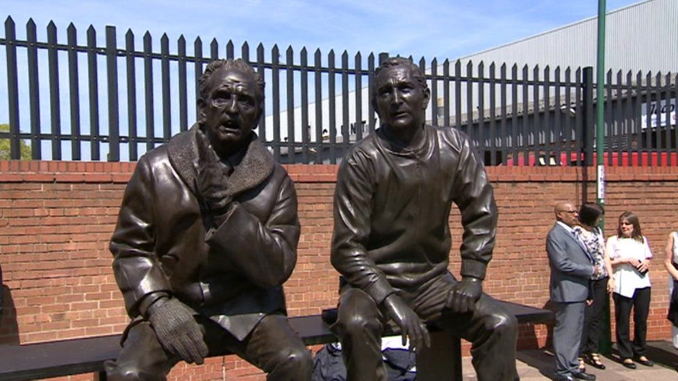 Statue of Jimmy Sirrel and Jack Wheeler