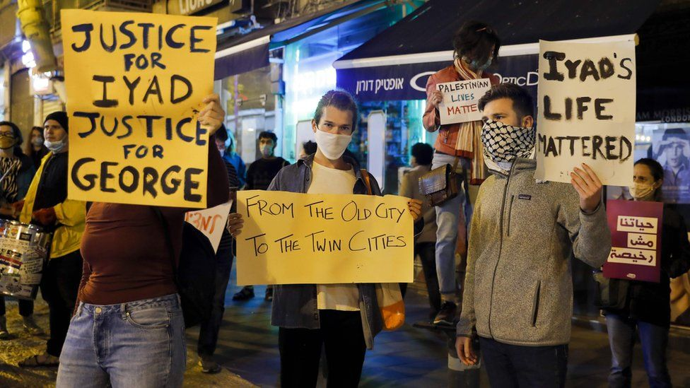 Israelis protest against the killing of Iyad Halaq and George Floyd in Jerusalem (30 May 2020)