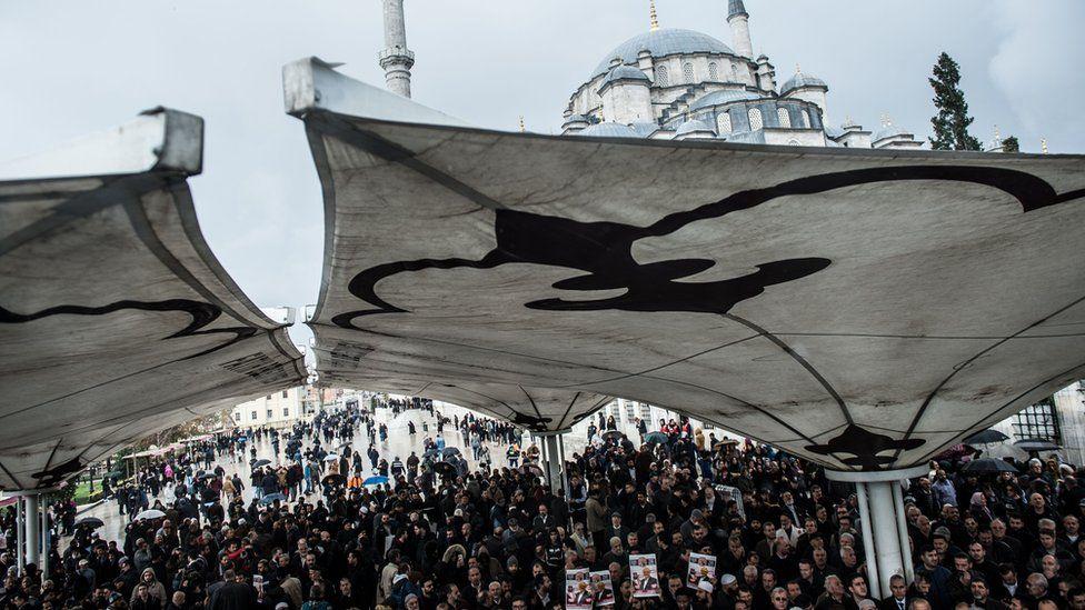 People attend a symbolic funeral prayer for Saudi journalist Jamal Khashoggi, killed in the Saudi consulate in Istanbul, 16 November 2018
