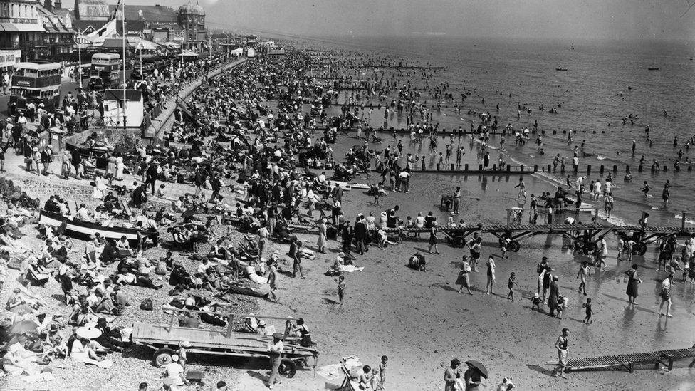 Bognor Regis beach during a heatwave in 1933