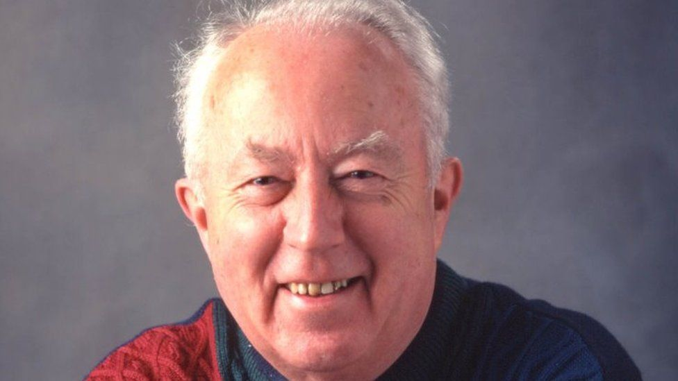 Dr Aled Lloyd Davies