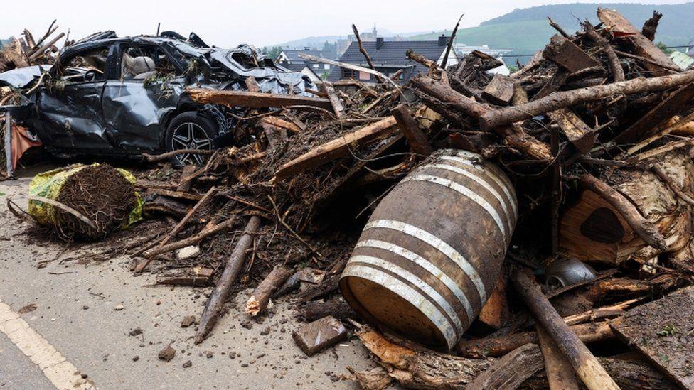 Debris in the town of Bad Neuenahr