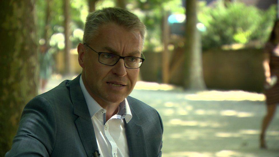Professor Steven Van Hecke