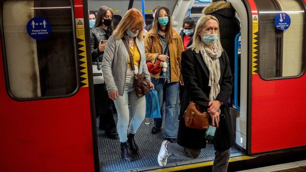 Tube passengers 16/10./20
