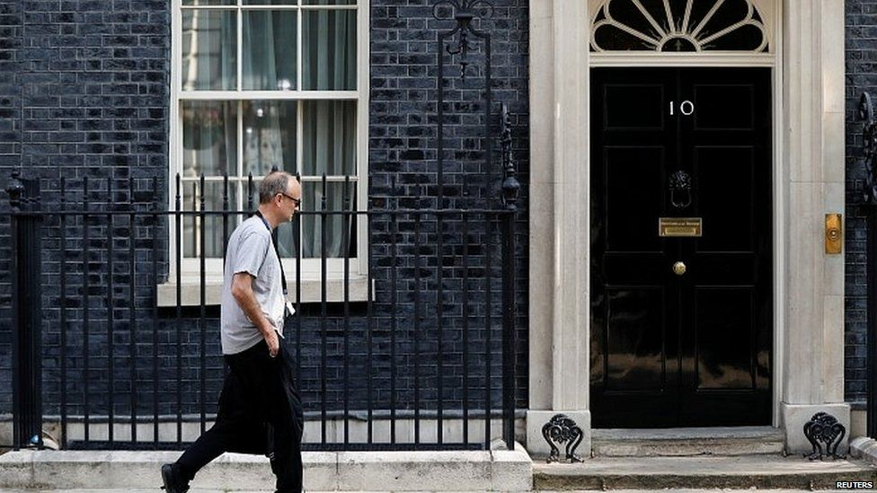 Dominic Cummings arriving at Downing Street