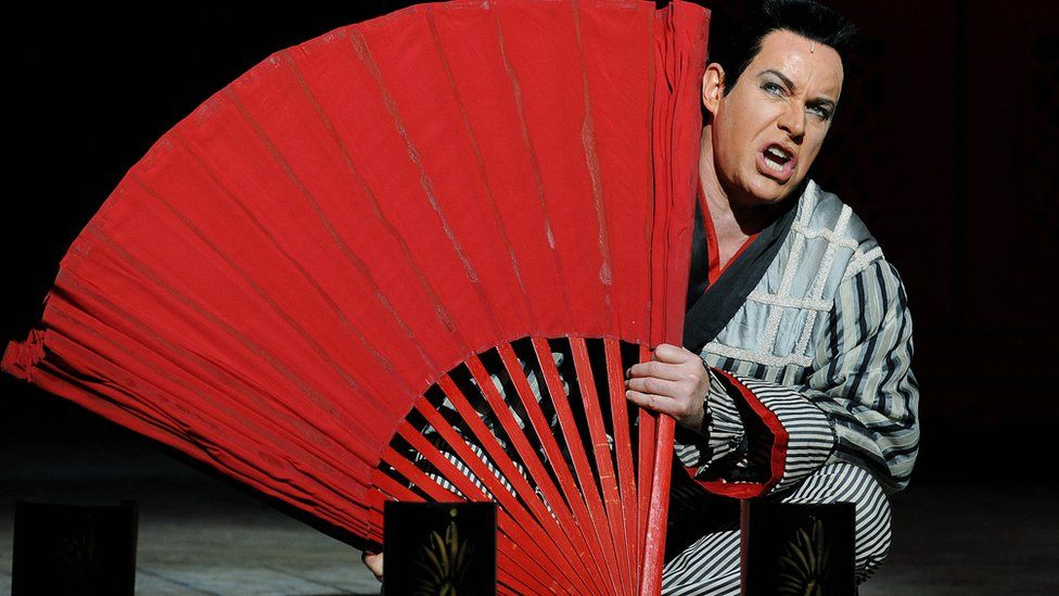 Anthony Warlow (R) who plays 'Ko-Ko' takes part in a rehearsal on August 26, 2009 for the Opera Australia production of 'The Mikado'