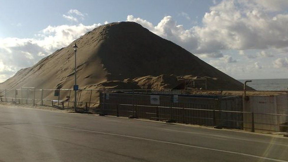 Sand pile at Boscombe during the construction of the surf reef