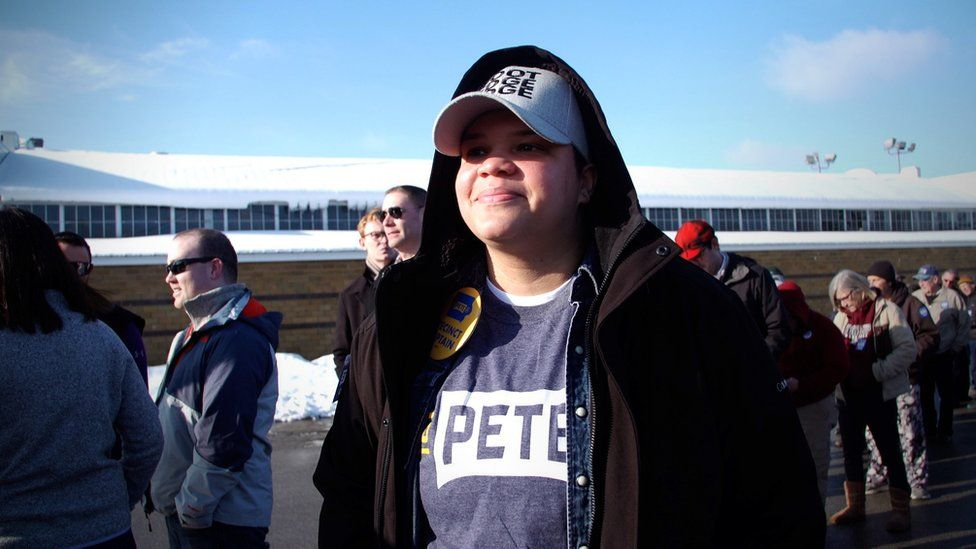 Gina Weekley from Waterloo, Iowa