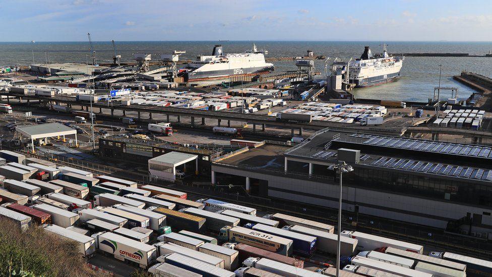 Stock image of traffic jams at port