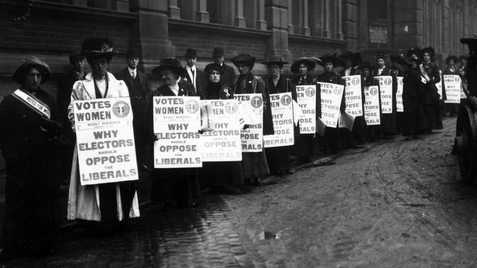 January 1910: Suffragettes campaigning in London against the Liberal Party during the first election of 1910