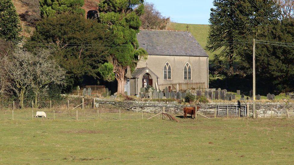 Eglwys Ysbyty Cynfyn