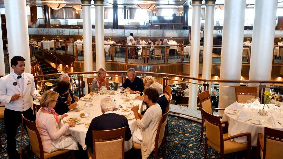A restaurant on the Queen Mary 2
