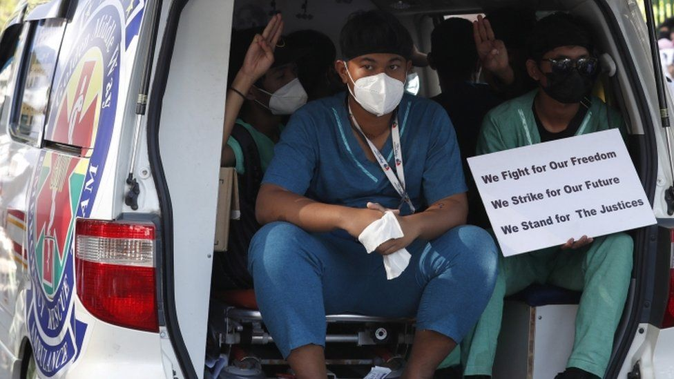Ambulance volunteers protest in Yangon