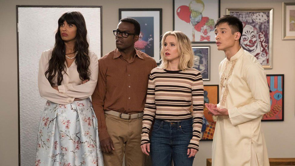 Jameela Jamil with (l-r) William Jackson Harper, Kristen Bell and Manny Jacinto