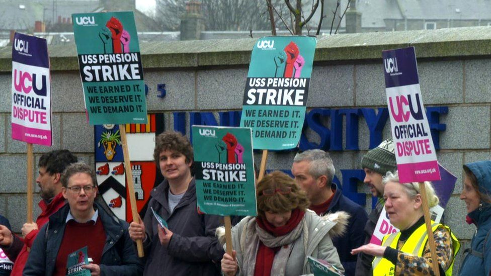 Picket line at University of Aberdeen