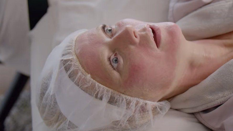 Gwyneth Paltrow getting a 'vampire facial'