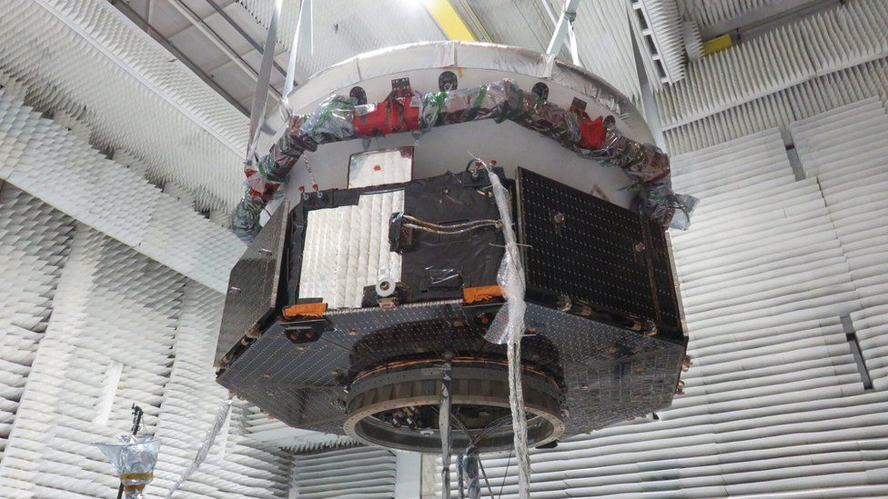 _111237524_exomars_carrier_and_descent_m