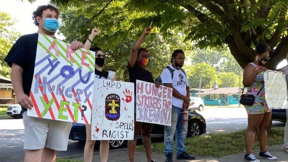 Hunger strikers in Louisville