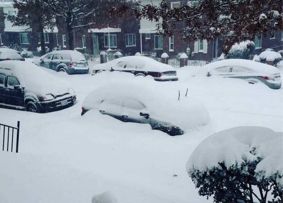 Snow on Washington DC road - 23 January 2016
