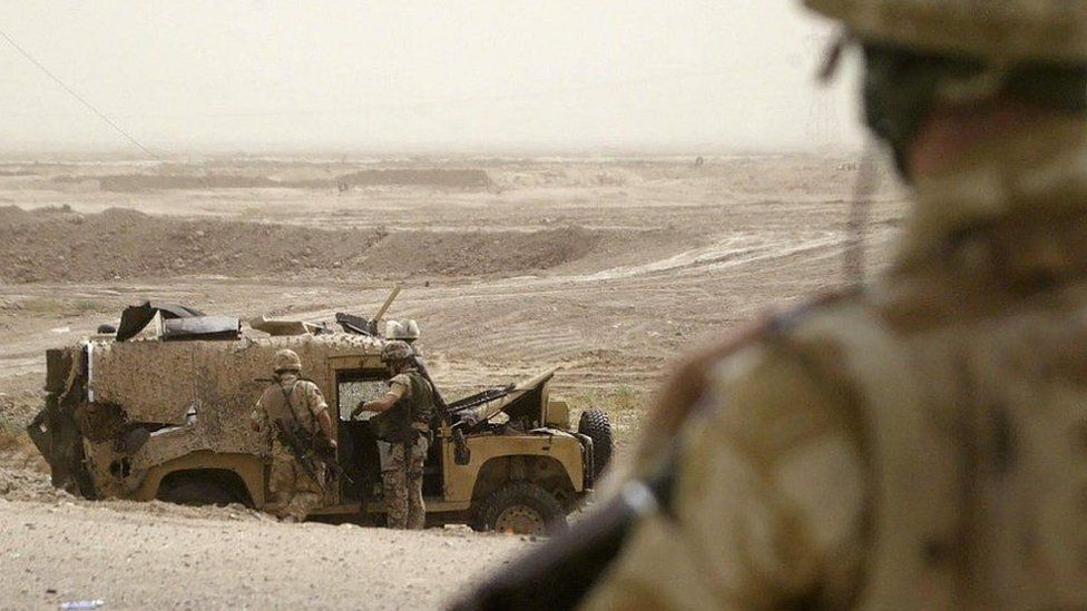 Land Rover in Iraq