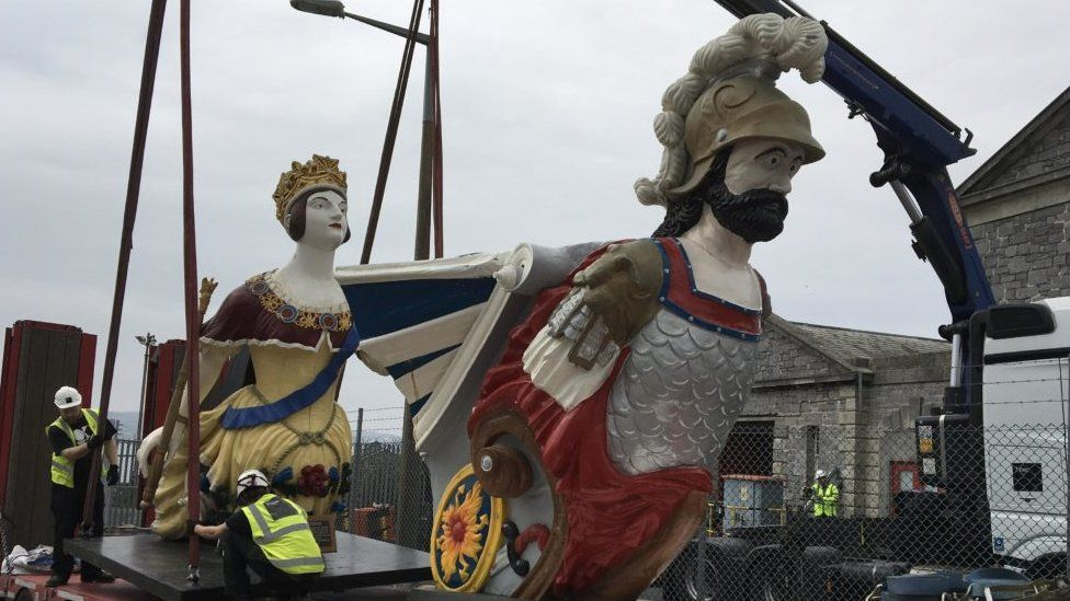 Figureheads on their way to be restored