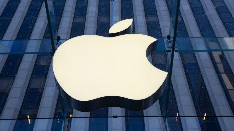 Apple employees make US labour watchdog complaints thumbnail