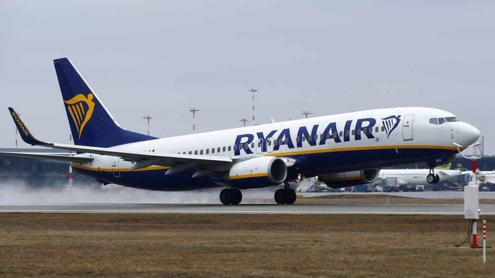 Ryanair hit by air fare battle and Brexit uncertainty - BBC News