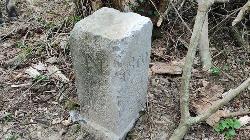The border stone engraved with the date 1819