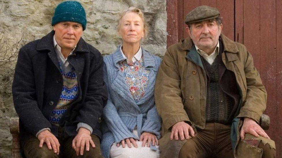 Fe enillodd Caryl wobr Llyfr y Flwyddyn am y tro cyntaf yn 2005 gyda'i nofel 'Martha Jac a Sianco'