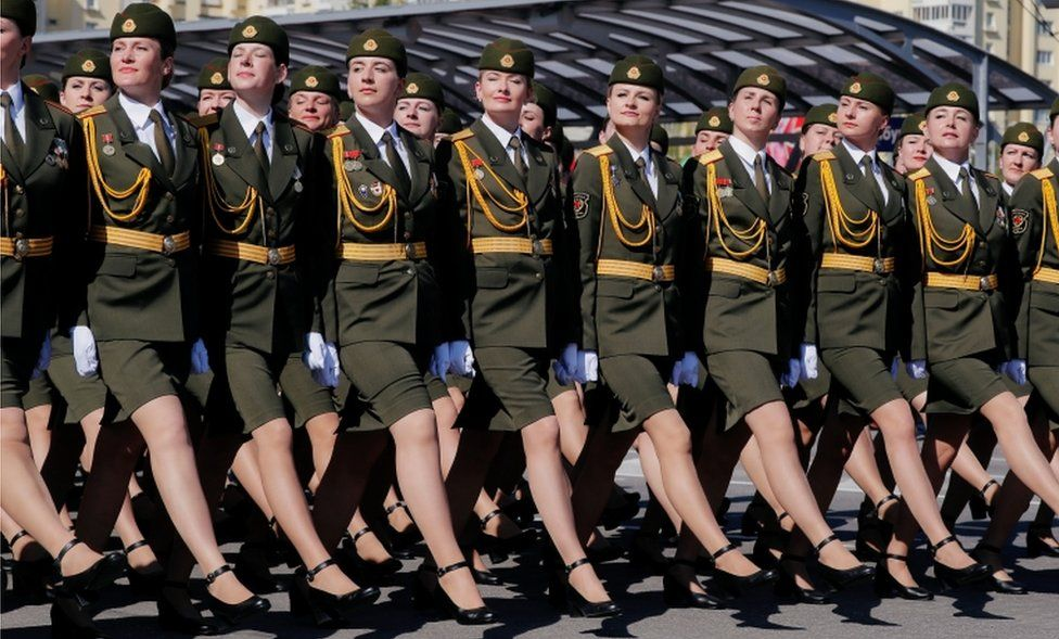 Coronavirus Belarus Ww2 Parade Defies Pandemic And Upstages Putin Bbc News
