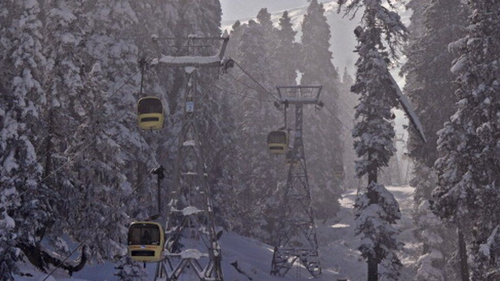 Cable-cars in Gulmarg (13 January, 2012)