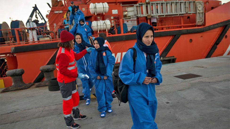 Refugees arriving in Spain