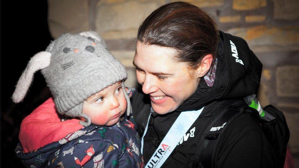 Jasmin Paris with her daughter, Rowan