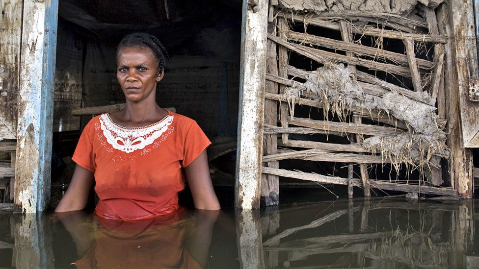 Climate change: Vulnerable nations call for 'emergency pact' thumbnail