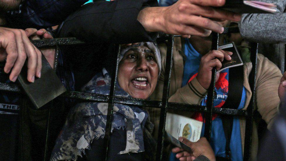 Palestinians gather at the Rafah border crossing in southern Gaza, April 2018