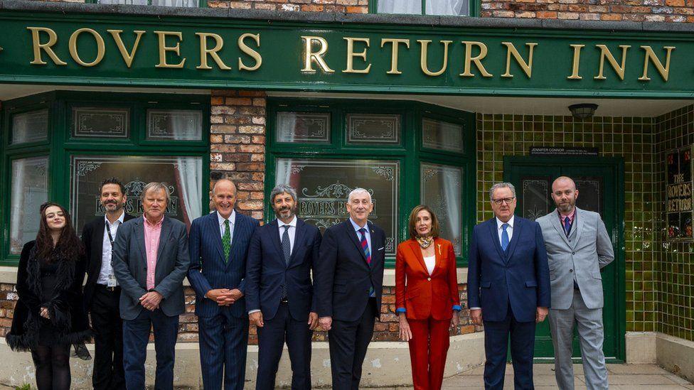 Dignitaries outside Rovers Return