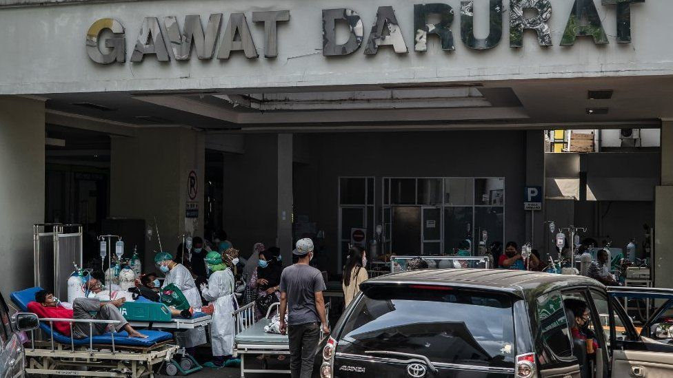 Patients being treated outside a hospital in Semarang