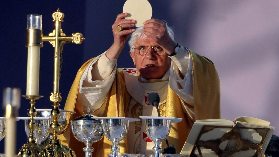 Papa Benedicto XVI en Bellahouston Park en 2010