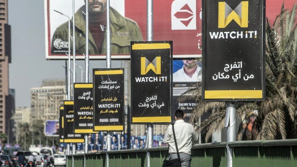 الدراما في رمضان: جدل في مصر حول حجب مواقع العرض المجانية وانطلاق تطبيق المشاهدة الجديد