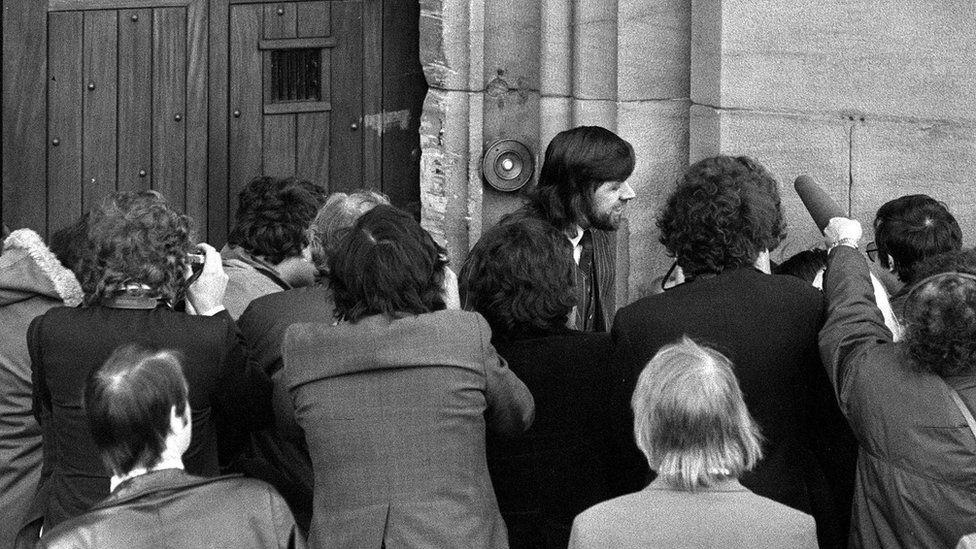 Ricky Tomlinson leaving prison in 1975