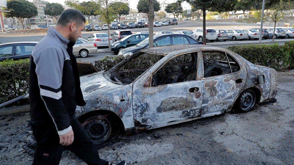 Burned-out car in central Beirut on 17 December 2019