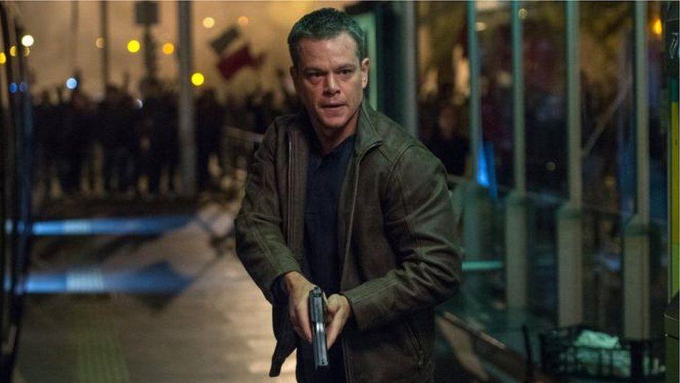 Bourne Ultimatum, gyda Matt Damon yn serennu, oedd y ffilm cyntaf i Rhys weithio arni