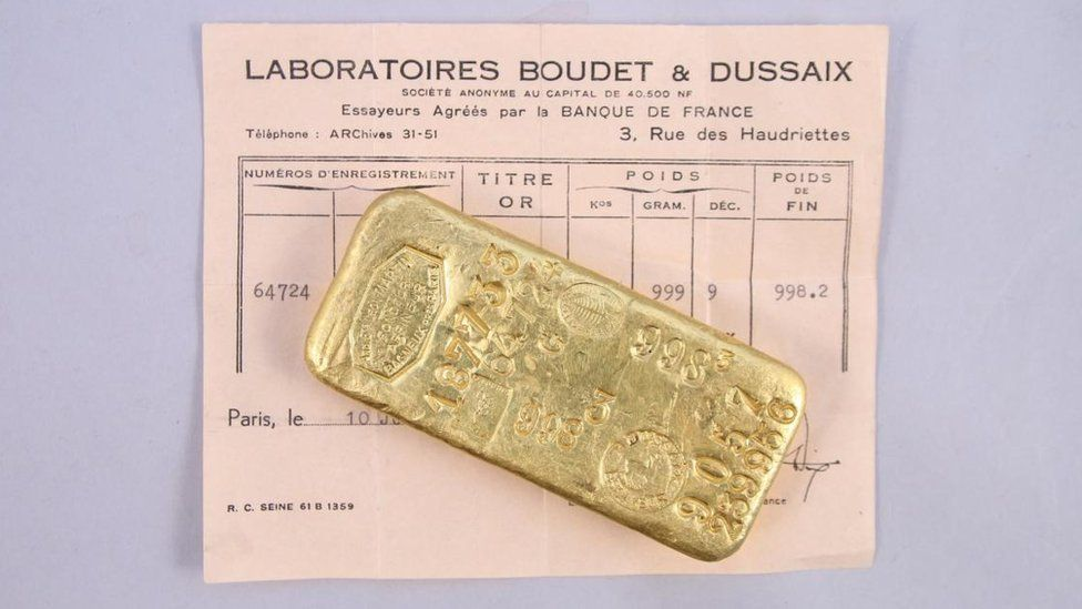 Image shows one of the discovered gold bars
